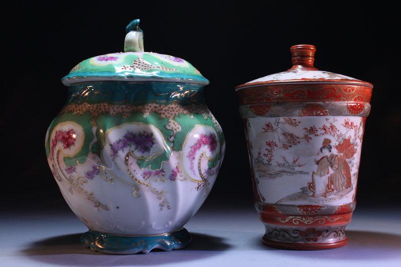 Japanese Kutani Porcelain Covered Jar,