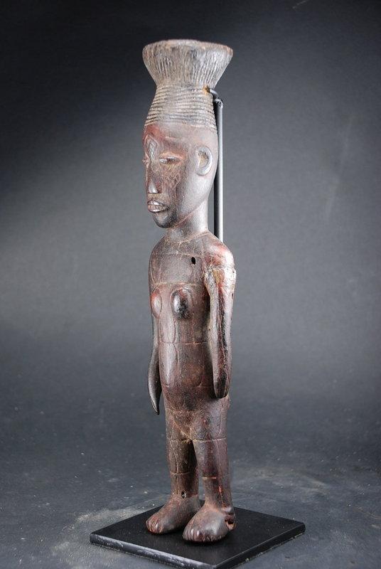 Rare Mangbetu Female Figurine