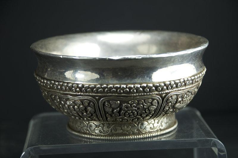 A Fine Tsampa Bowl, Tibet, 19th C.