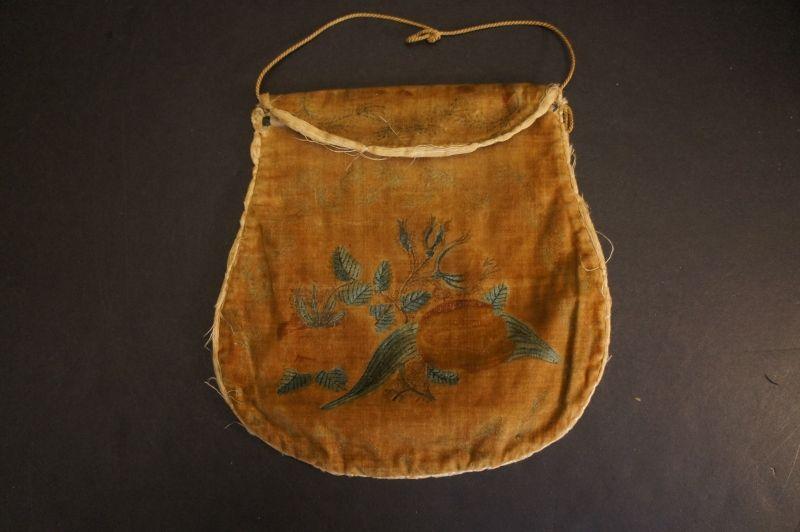 Antique velvet reticule theorem purse 1830-40