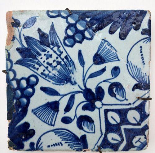 Dutch delft blue and white tile �star tulip� 1st half 17th century