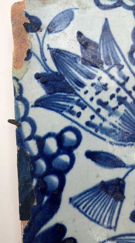 Dutch delft blue and white tile �star tulip� 1st half 17th century