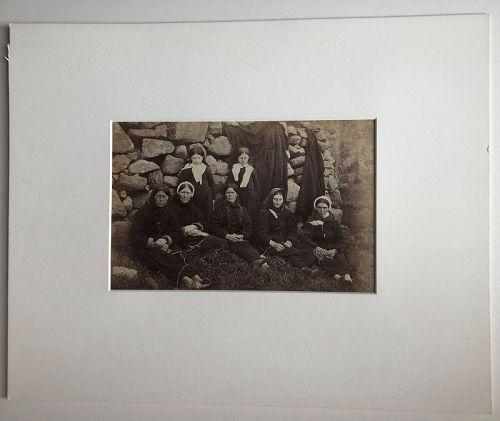 Albumen photo, women St. Kilda Scotland G.W. Wilson c. 1885