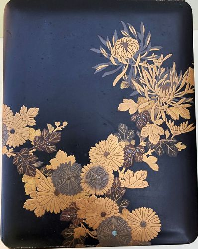 Japanese large lacquer box, floral decoration, 19th century
