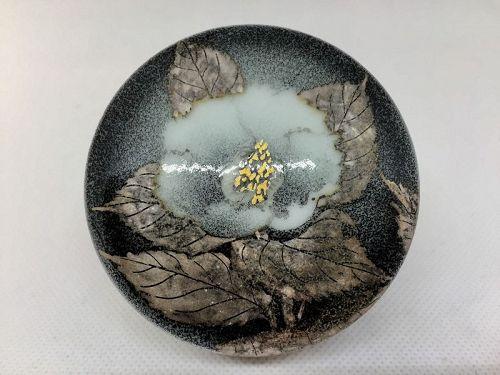 Kogo incense container by Takanori Fujino