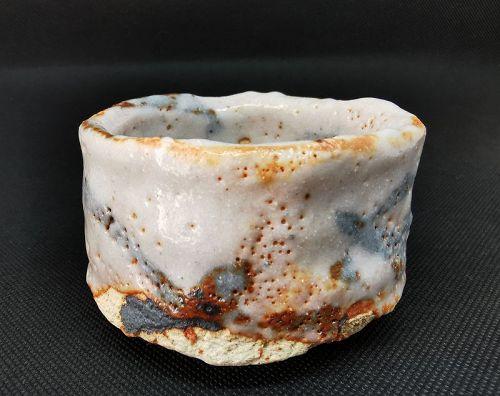 Shino Guinomi cup by Makoto Yamaguchi