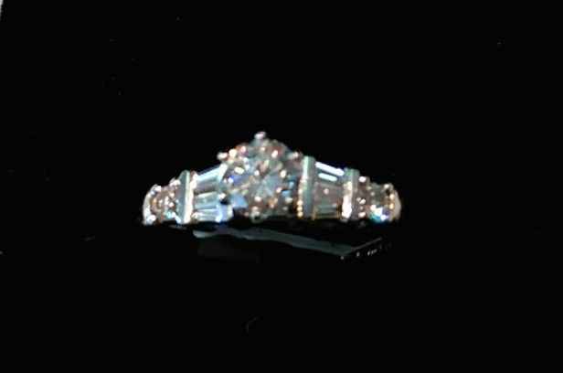 PLATINUM w ..60 CARAT MAJOR DIAMOND ENGAGEMENT RING