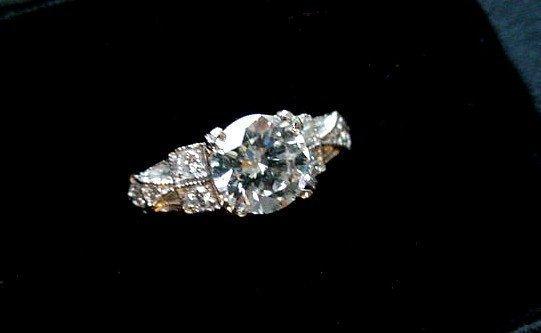 PLAT DIAMOND ENGAGEMENT RING 1.01 VSI GH CENTER STONE