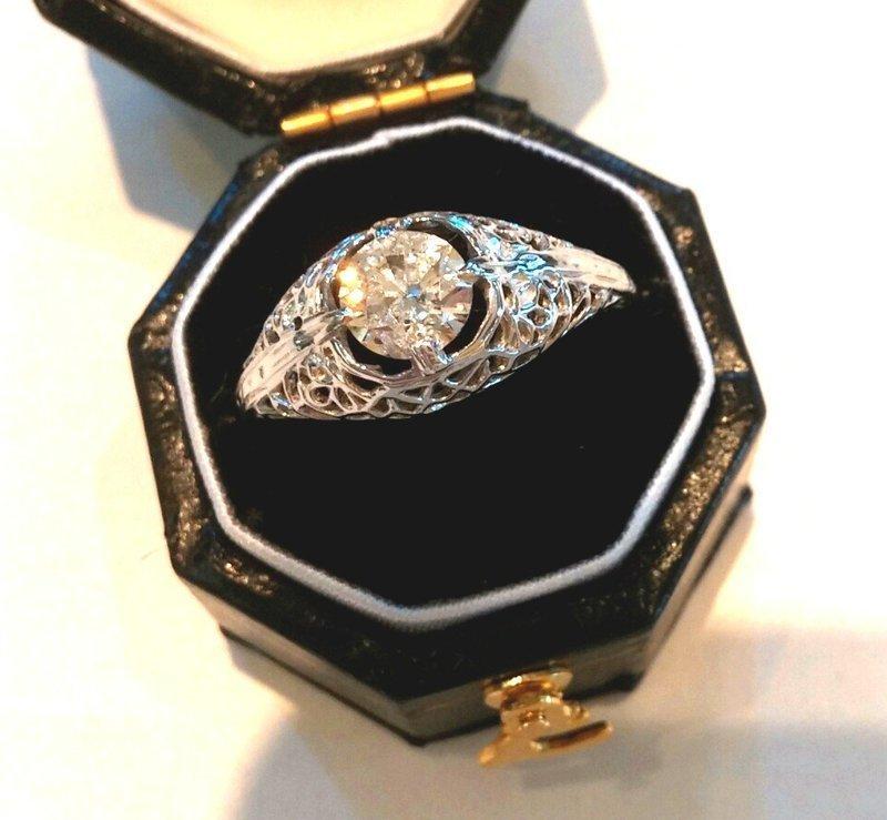 14K DIAMOND & WHITE GOLD FILGREE RING .60/100 CT