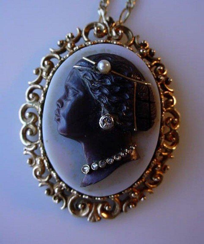 HARDSTONE CAMEO LADY GOLD & DIAMONDS BLACK MEMORABILIA