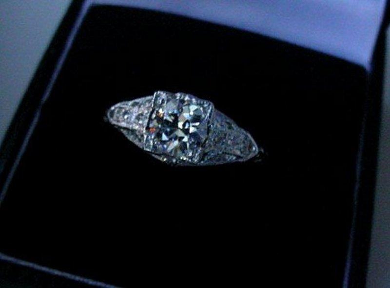 CLASSIC PLATINUM DIAMOND ENGAGEMENT RING .78 CARAT