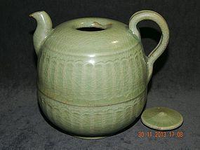 YUAN DYNASTY - RIBBED LONGQUAN TEA POT