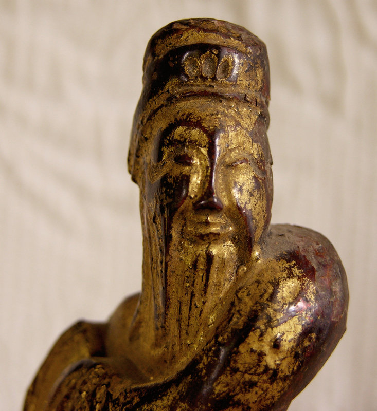 Antique Chinese small wooden lacquered carving 3