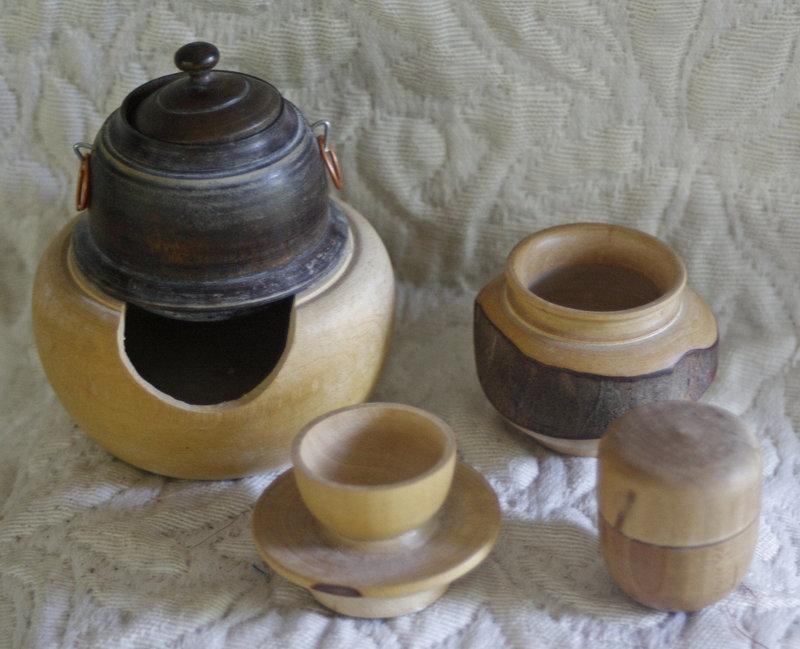 Vintage (1940's) Japanese doll tea set