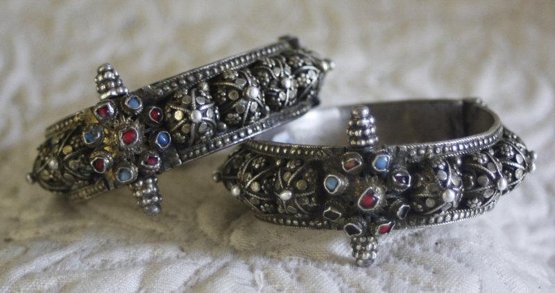 Pair of matching tribal hinged bracelets Yemen
