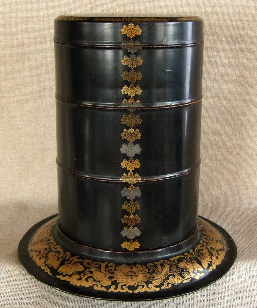 Edo period Japanese round 3 tier lacquer box