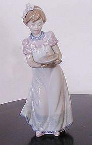 "Lladro ""Happy Birthday"" Figurine"