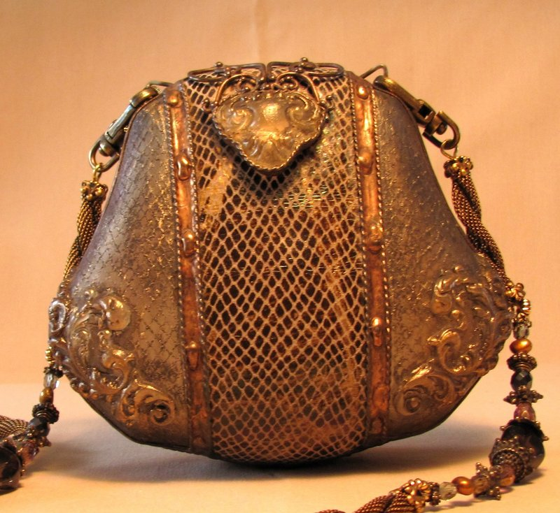 ELEGANT BROWN  PURSE BY MAYA