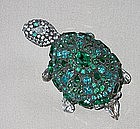 SASSY TURTLE PIN BY DOROTHY BAUER