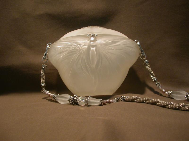 WHITE BUTTERFLY PURSE BY MAYA