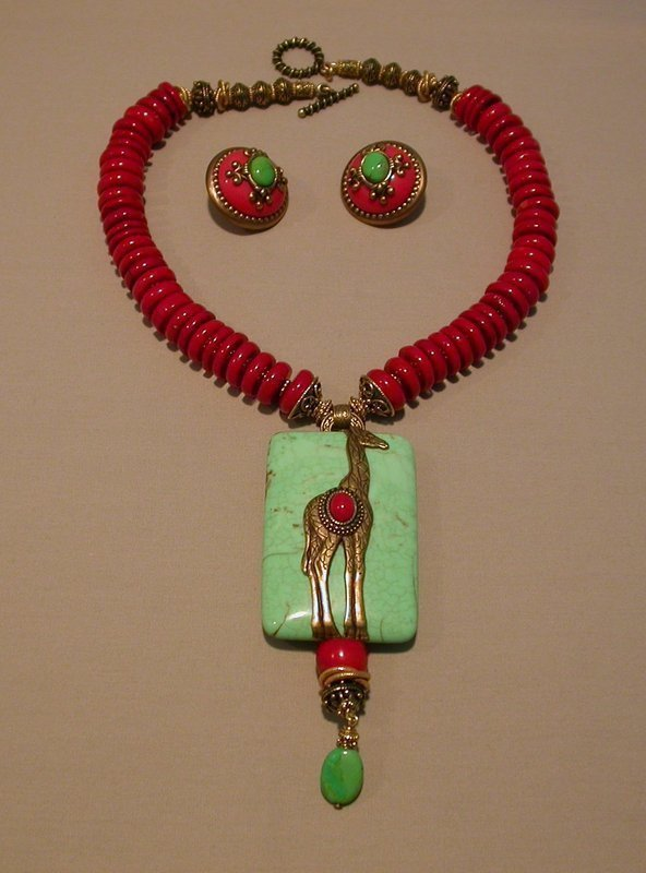 PATRICE GIRAFFE PENDANT NECKLACE AND EARRINGS