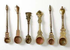 "Collection of 6 Indian Bronze Ritual Spoons ""Pali""."