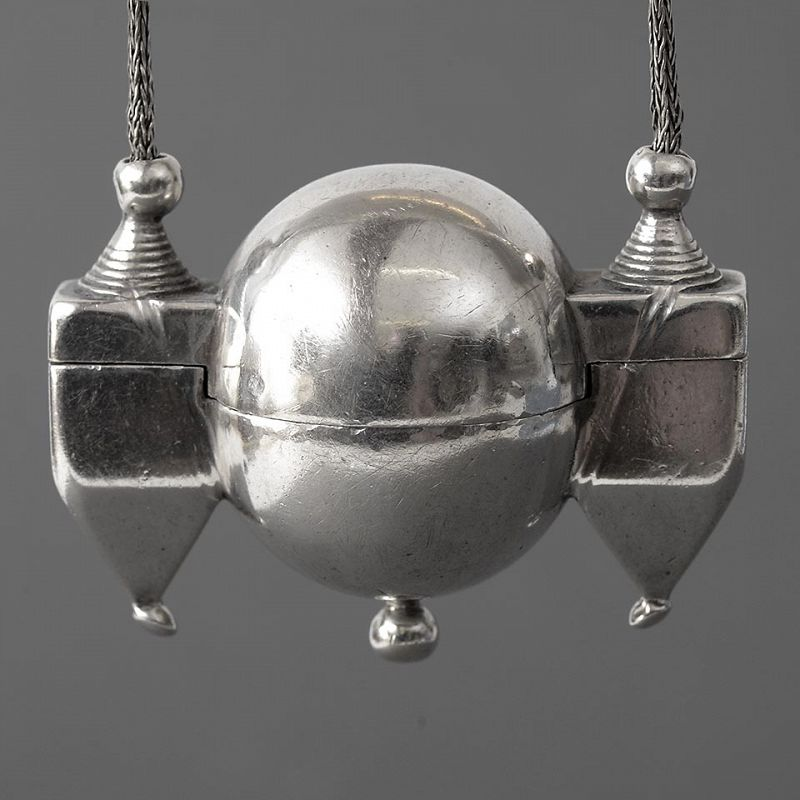 Antique Indian Silver Shiva Lingam Amulet Box Pendant with Chain.
