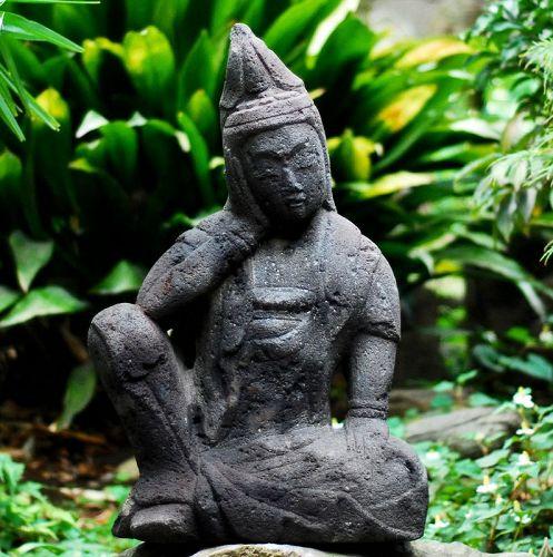 Stone Nyoirin Kannon Bosatsu Bodhisattva Early-Edo 17 c.