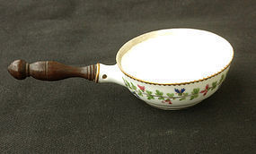 Small 18th century pot, a French poêlon, in the Cornflower pattern