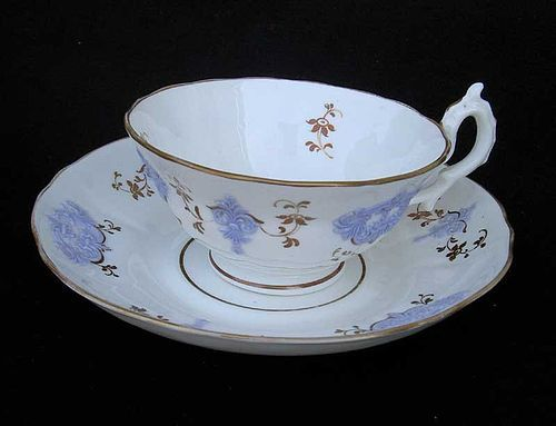 Four English sprigged teacups and saucers, c 1830, possibly New Hall