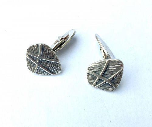 �Atomic� silver cufflinks, modernist 60�s design