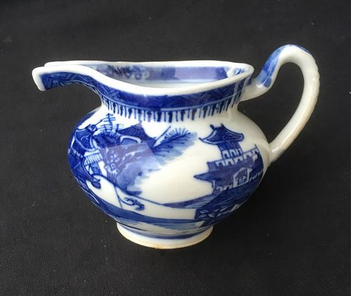 Blue and white Chinese export gravy jug or creamer