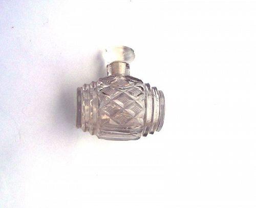 Cut crystal barrel shaped scent bottle