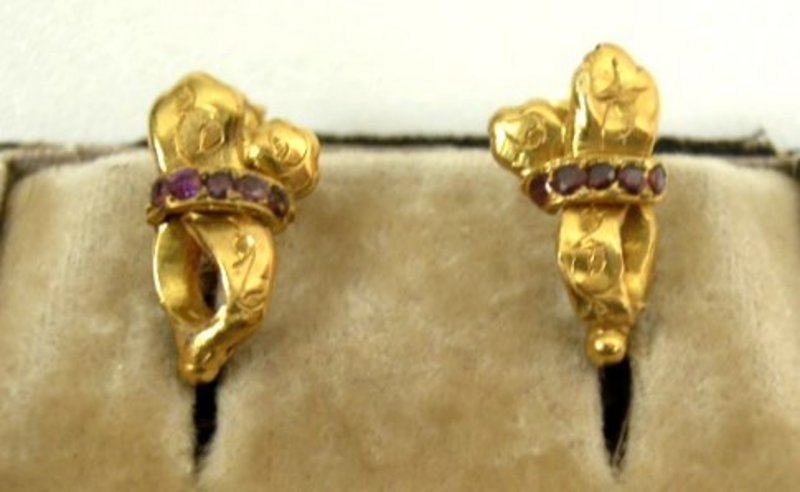 Charming Little Victorian Gold and Amethyst Earrings