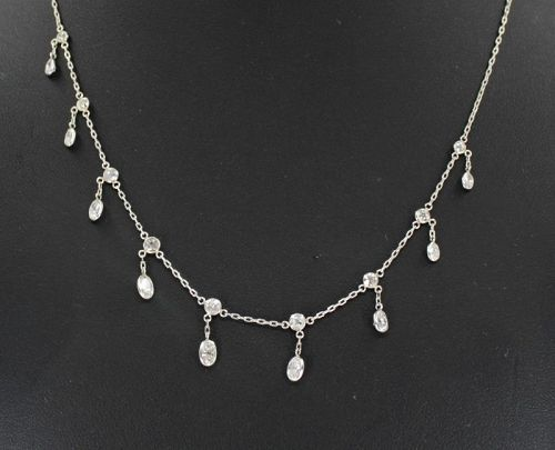 3 carats of diamonds draperie necklace in platinum