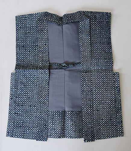 Japanese Contemporary Shifu Sodenashi Vest Made of Washi