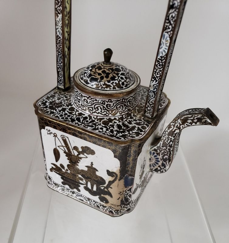 Qianlong 18th C Chinese Painted Enamel Teapot and Cover