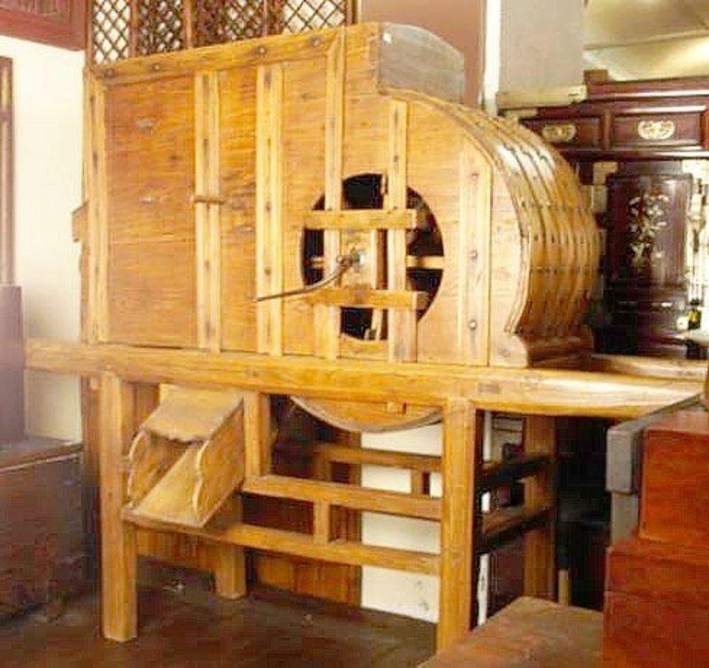 Japanese Antique Rice Mill, Fine Meiji Period Antiquity