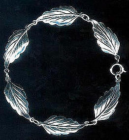 Lovely Leafy Link Bracelet Sterling Signed c. 1940's