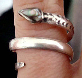Vintage Taxco Mexico Sterling Snake Ring Abalone Stone