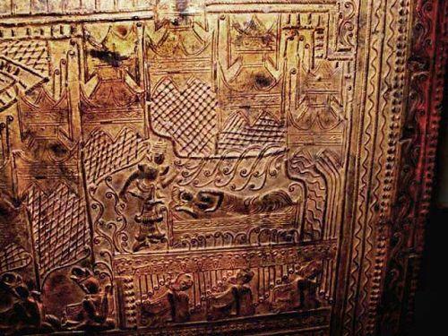 Burmese Important Gold Leaf Temple Teak Scripture Chest - 18C.