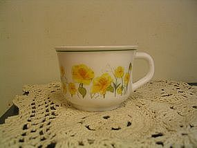 Arcopal Yellow Flowers Cup