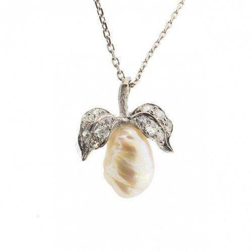 Art Nouveau Natural Pearl Diamond Platinum Pear Pendant Necklace
