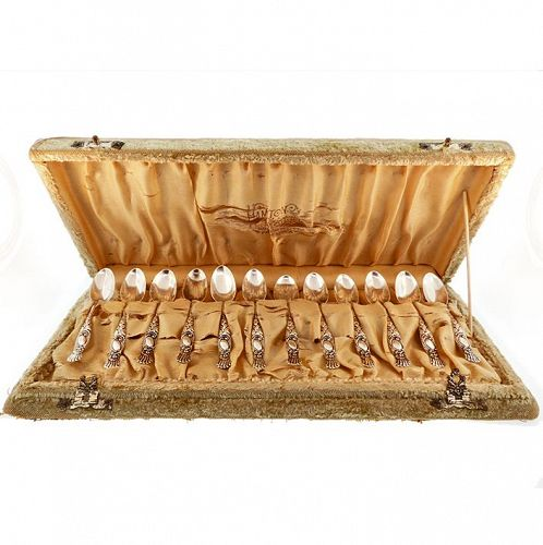 12 Victorian Sterling Silver Demitasse Spoons Boxed Set