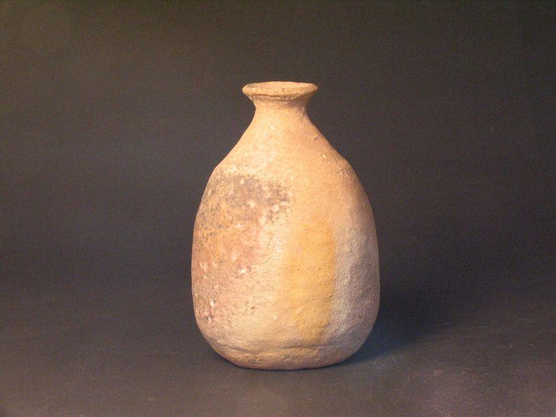 Shigaraki bottle(vase) by Sadamitsu Sugimoto the great master hand