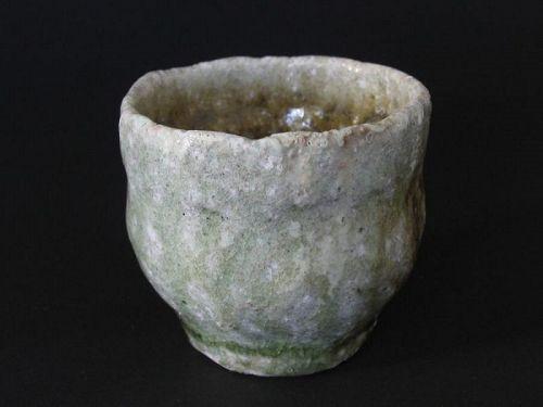 Karatsu-haikaburi sake cup by Dohei Fujinoki , popular artist KARATSU