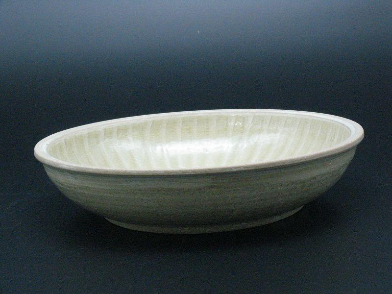 13~14th century Thai Sankampaeng kiln ash-glaze flat bowl