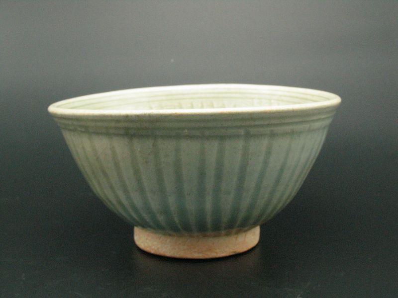 15th century Thai Kho Noi Kiln Celadon Bowl
