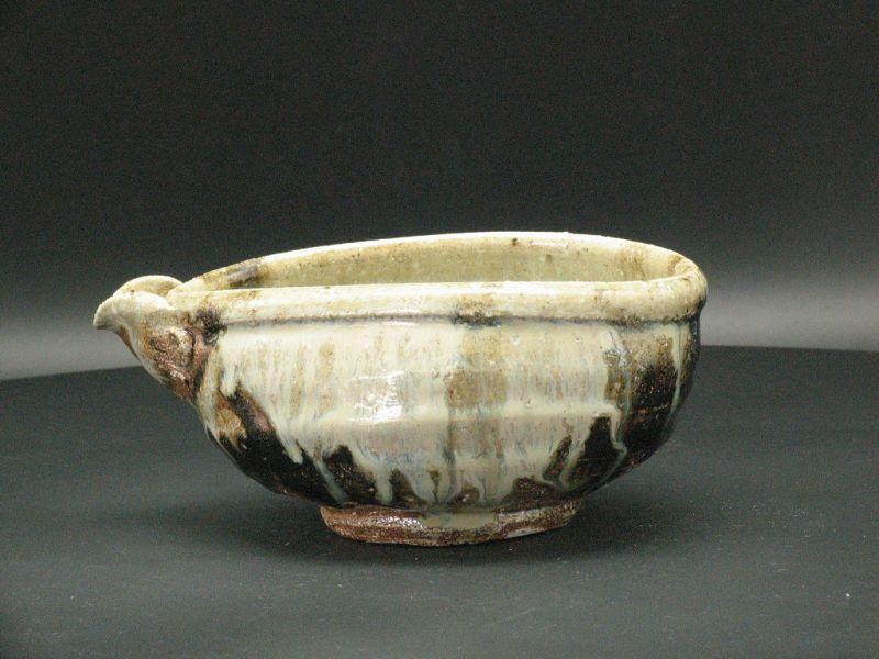 Chosen Karatsu Katakuchi lipped bowl by Dohei Fujinoki popular artist