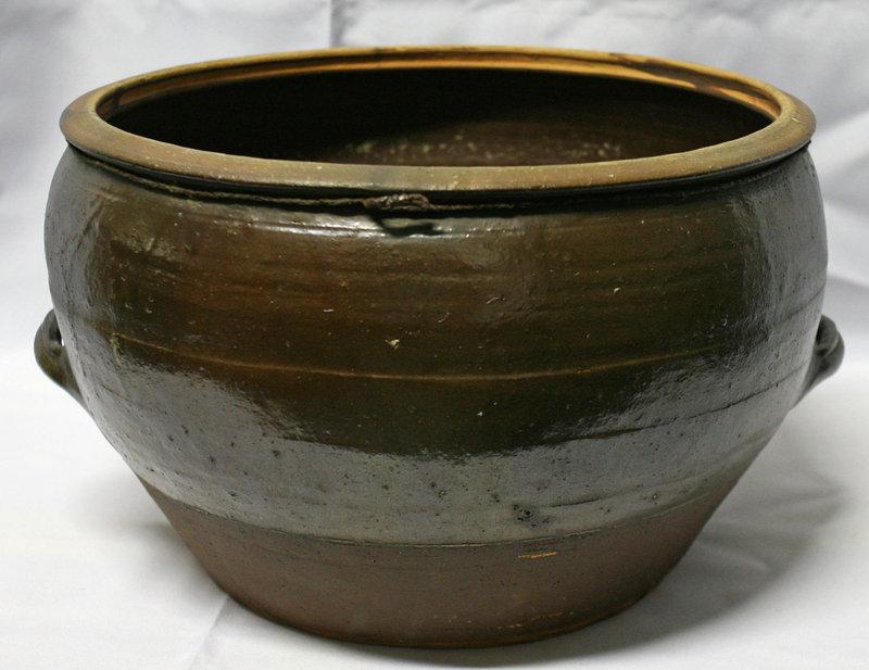 Antique Onggi Water Jar from Gyeongsang Province
